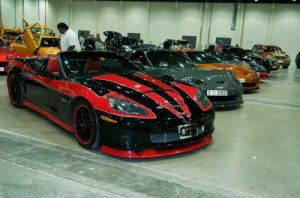 Carros modificados e cores extravagantes ... a cara de Dubai