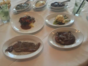 Carnes preparadas para qq gaucho não colocar defeito (Ruth's Chris Steak House)
